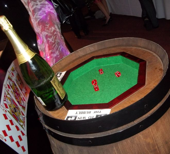 Barrel-and-dice-game