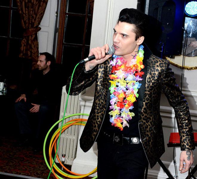 Young-Elvis-lookalike