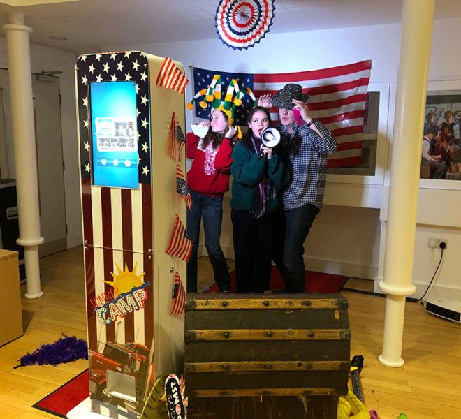 American theme selfie photo pod