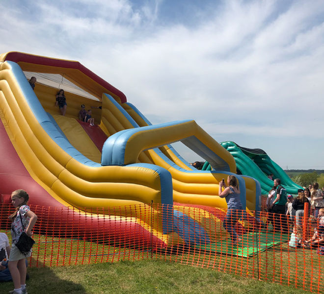 Giant-Inflatable-Slide