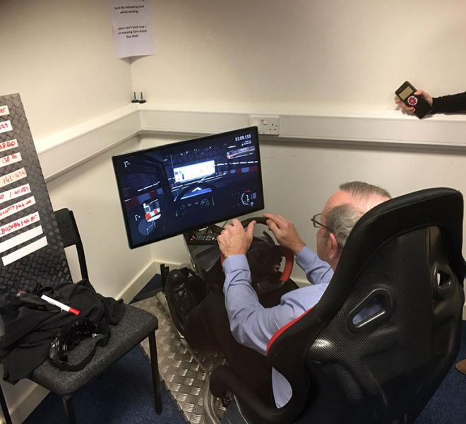 Race driver simulator