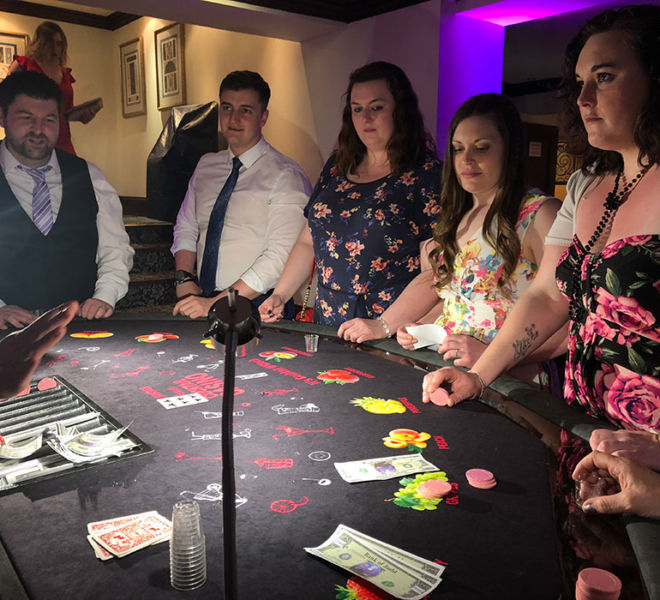 Wedding entertainment with the cocktail casino