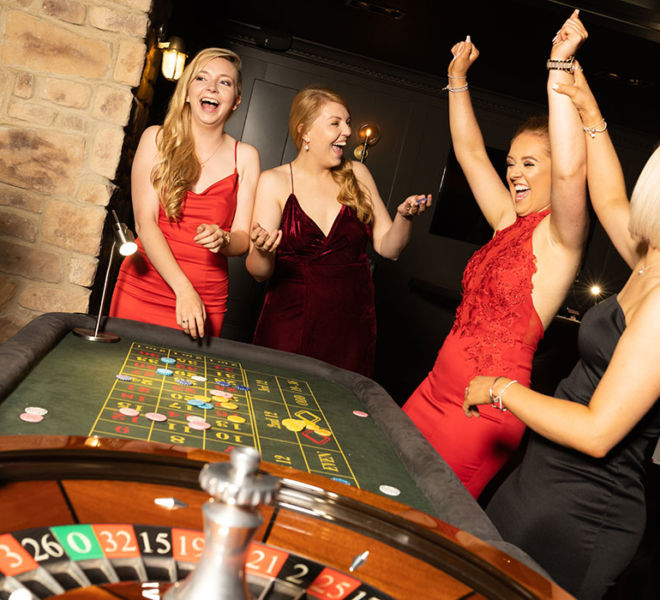 Girls enjoying the roulette table