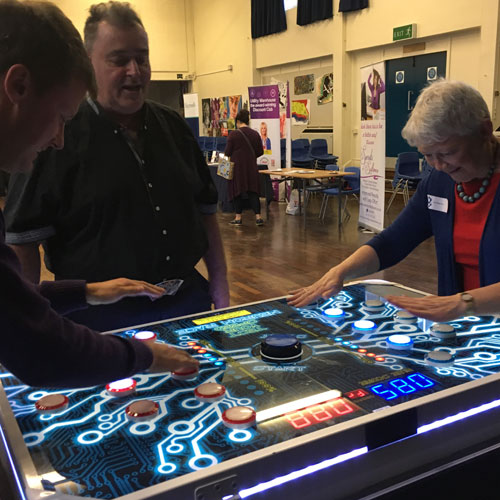 Speed reaction game 2 player on exhibition stand